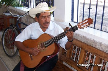 Friend with Roberto Acha Geronimo guitar with compensated nut